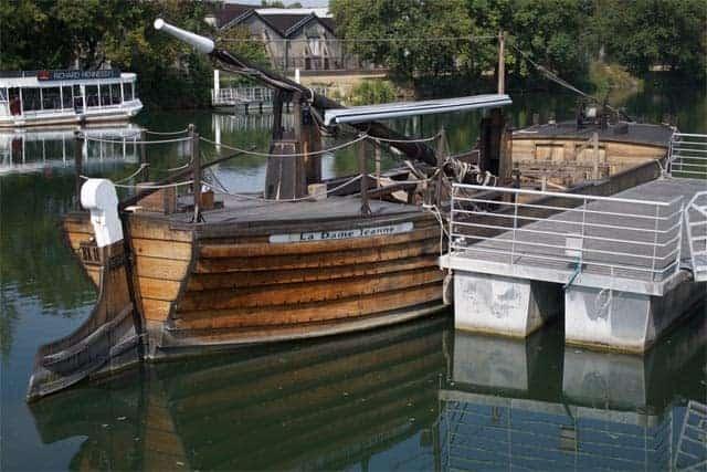 Cognac Boat