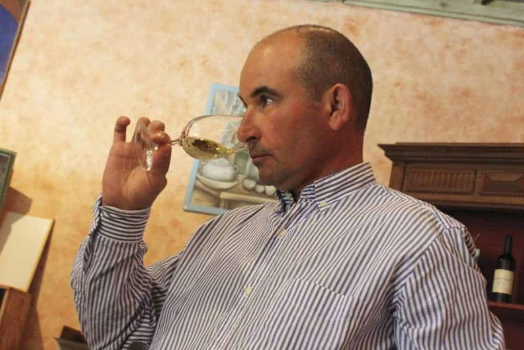 Frédéric Lalande serving his wines
