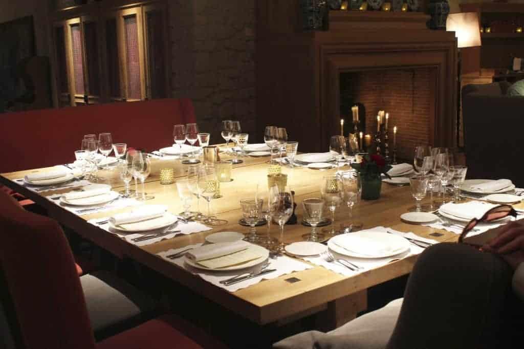 Les Belles Perdrix dining room