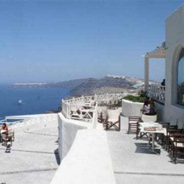 The blue sea and a restaurant in Santorini