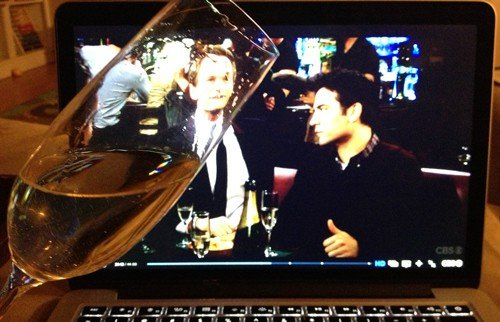 Champagne-and-HIMYM