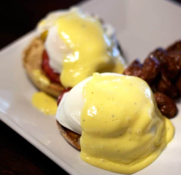 Eggs-Benedict-with-Smoked-Canadian-Bacon