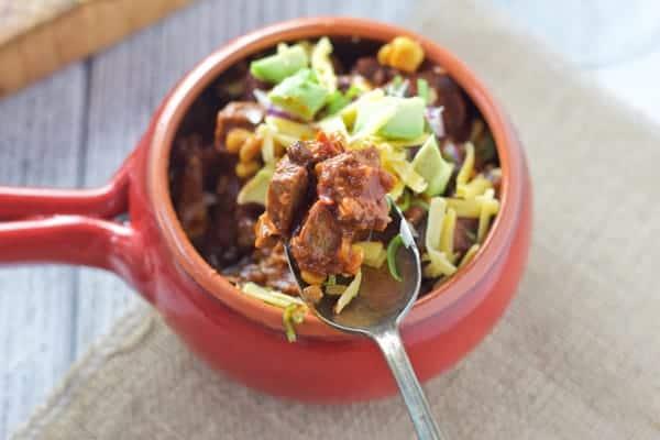 Smoked Beef Brisket Chili | http://homemaderecipes.com/bbq-grill/5-smoked-brisket-recipes/