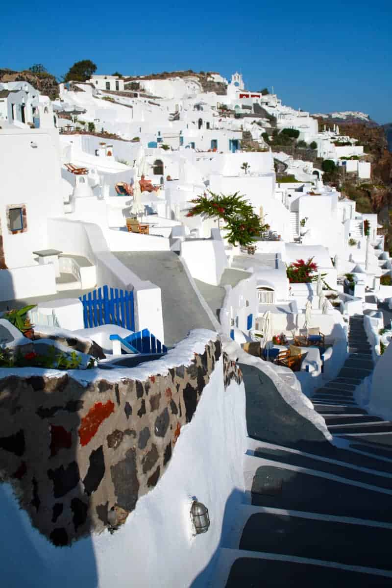 Extreme-Whites-and-Blues-of-Santorini