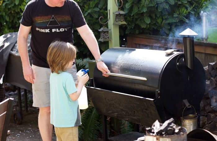 Spritzing your smoked meat 1