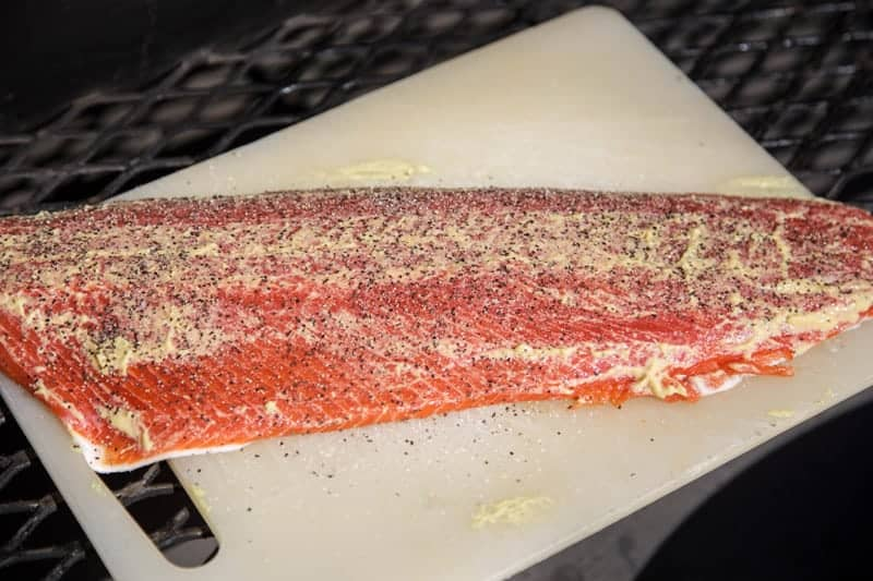 How to season salmon for the smoker