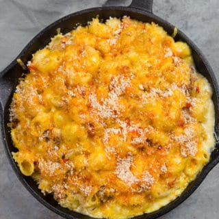 Smoked Tri-Tip Mac and Cheese cooked on the grill