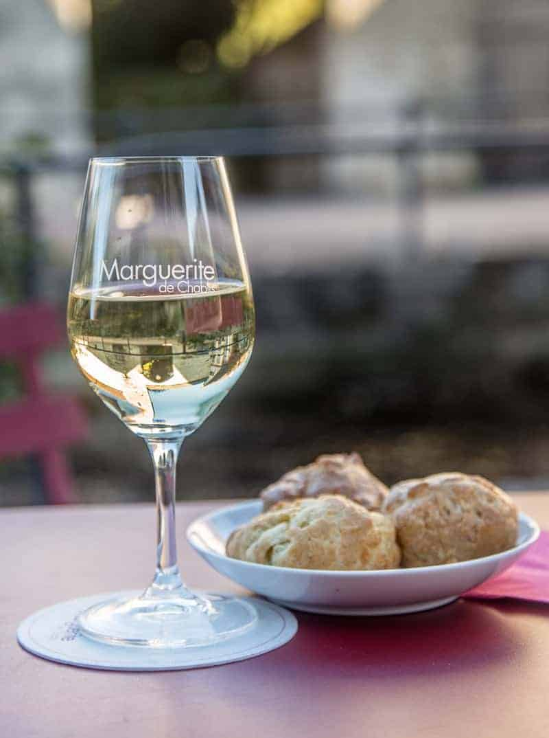 Chablis wine and Gougeres