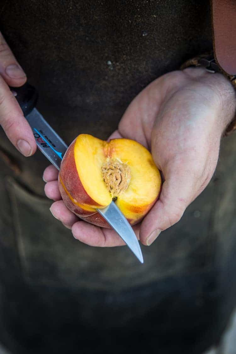 How to slice a peach for grilling