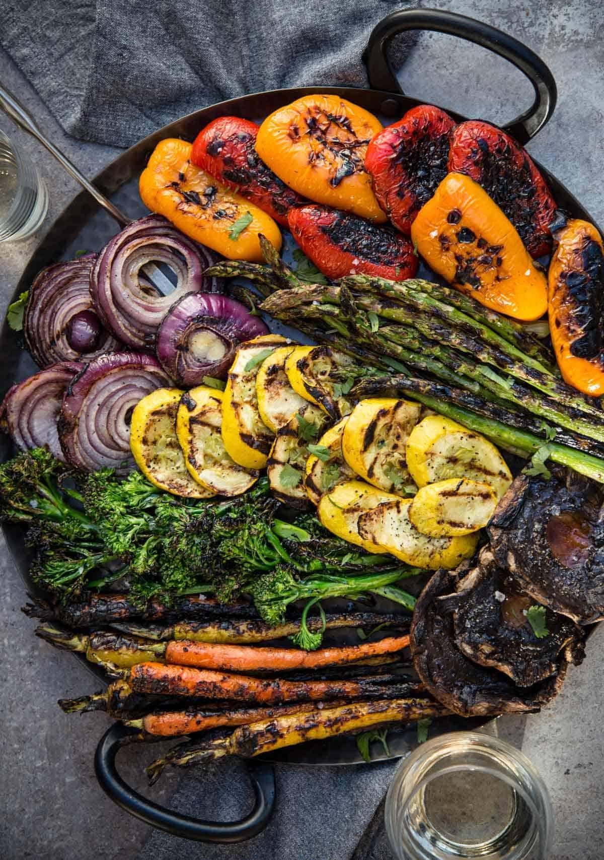 A platter of grilled vegetables.