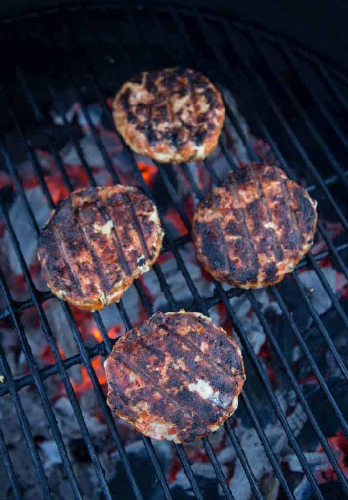 Grilling salmon burgers