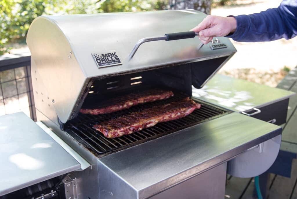 MAK Two Star General Pellet Grill with Ribs