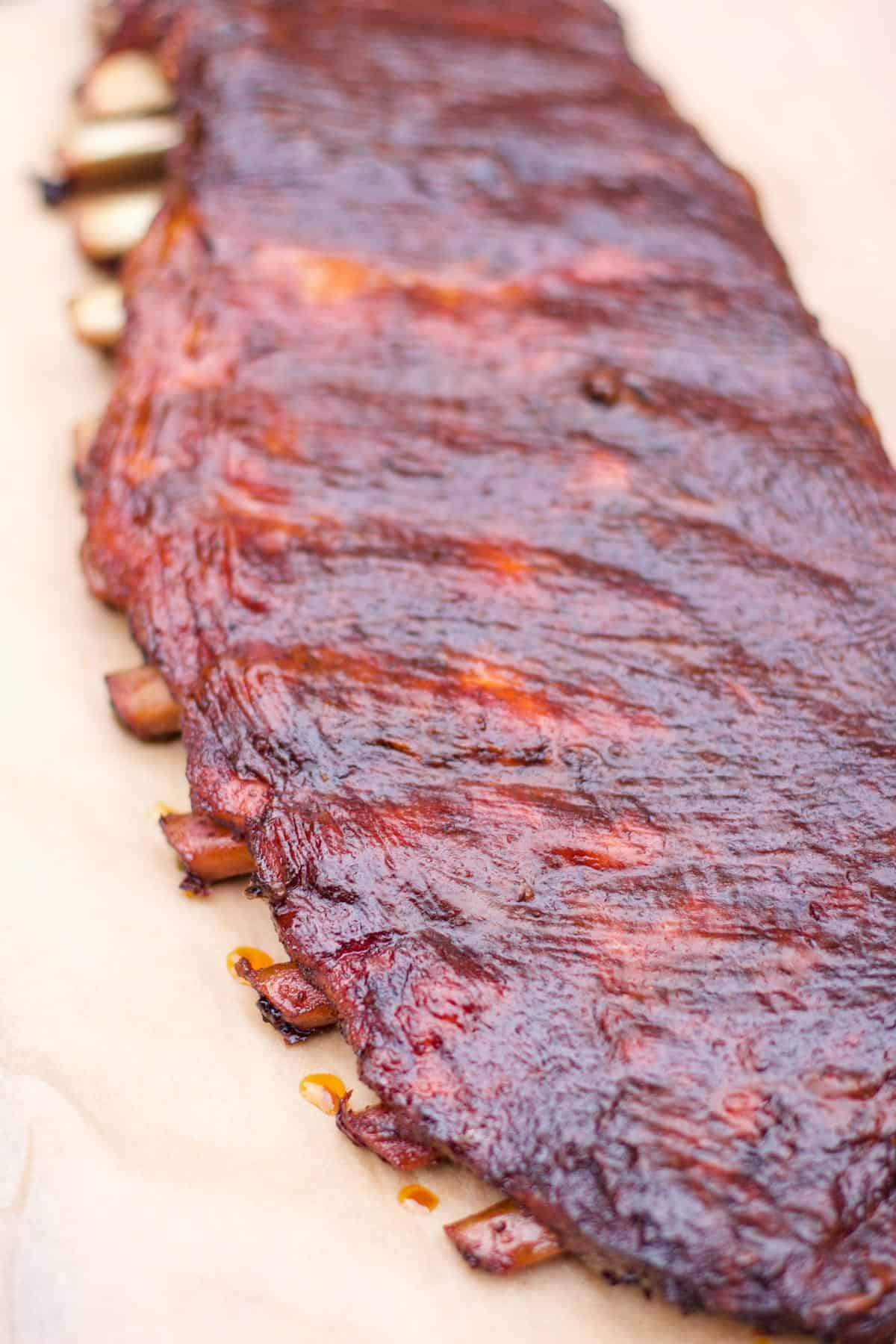 3 2 1 Smoked Spare Ribs with BBQ Sauce