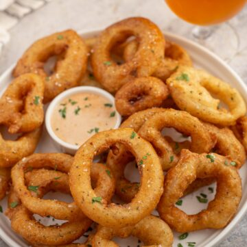 Fried smoked onion rings with beer.